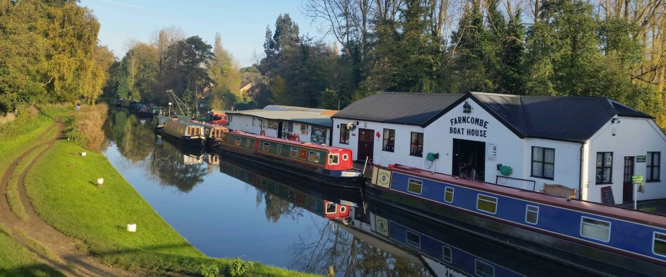 Narrowboats at Farncombe Boat House