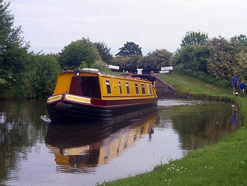 Narrow boat Osprey